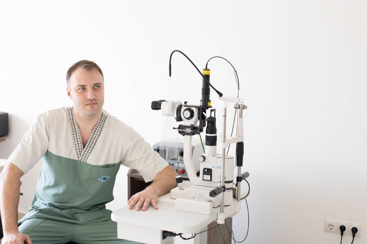 Уманець Микола Миколайович - Закарпатський центр зору та Закарпатський центр мікрохірургії ока